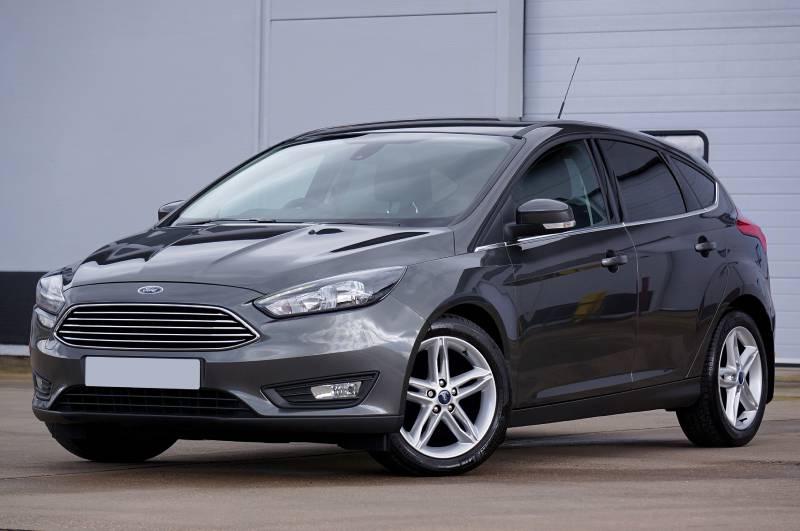 Grey Ford Focus